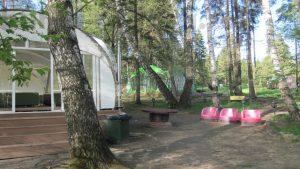 шатер на берегу